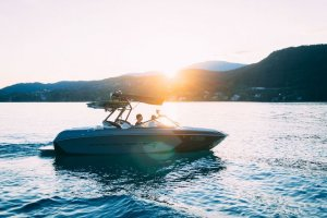 Top Tips For Maintaining Boat Safety